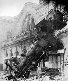 train-wreck-67775__340